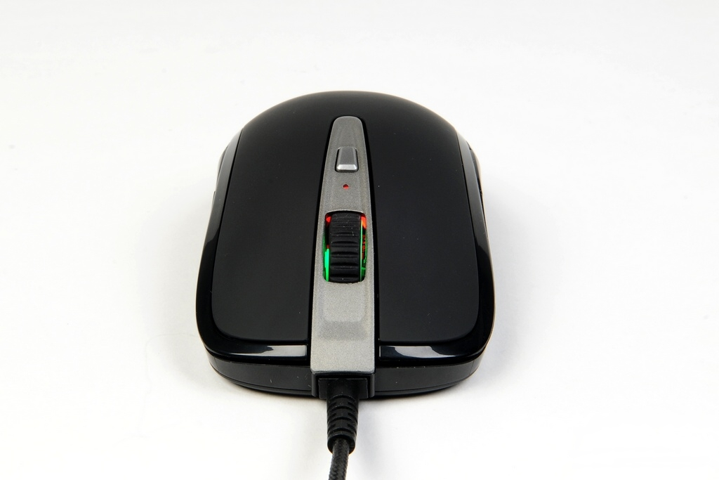 SteelSeries Sensei Wireless - вид спереди